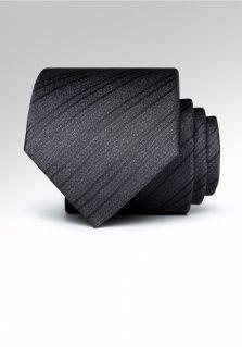 系领带的注意事项和领带的养护方法