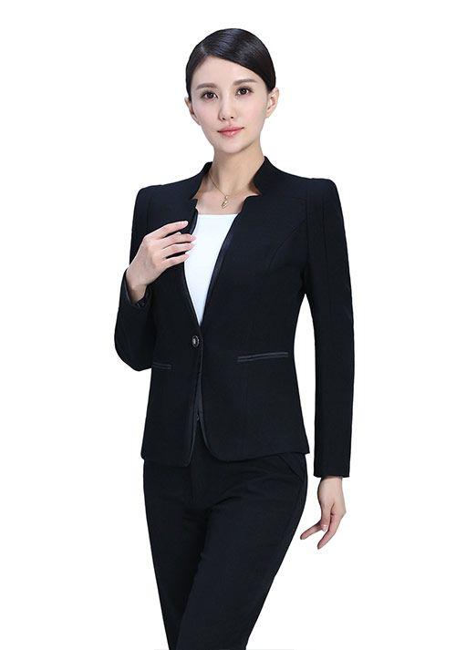 怎样避免西服在穿着过程中的褶皱-娇兰服装有限公司